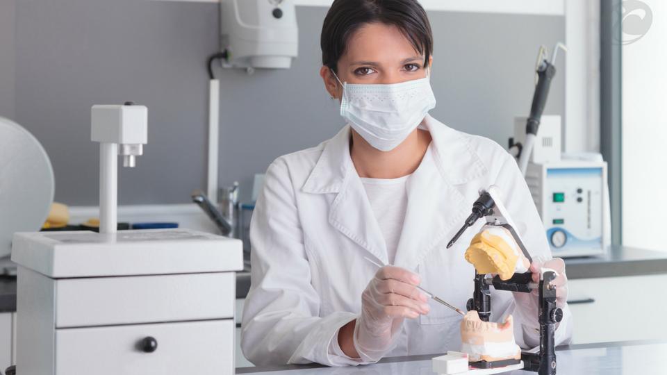 Vantagens de seguir carreira como técnico em prótese Dentária